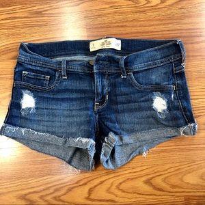 Hollister Low Rise Short Shorts Size 5